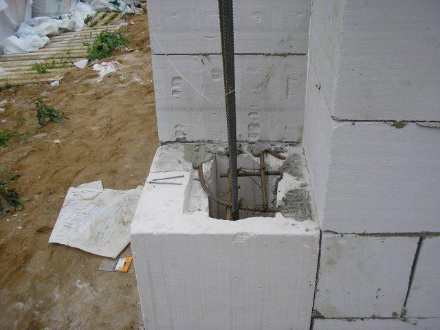 Угловая монолитная колонна