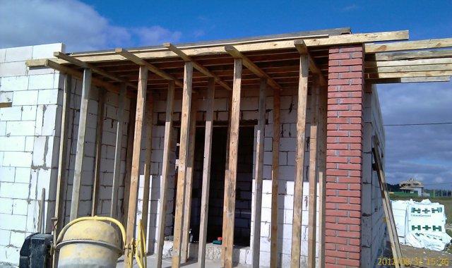 Строем перекрытие на балкон в частном доме.