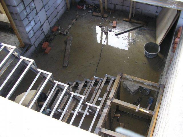Вода на первом этаже
