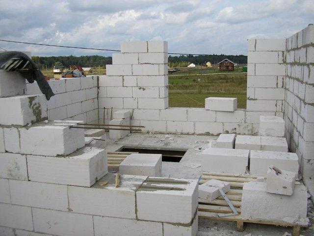 Постройка стен второго этажа