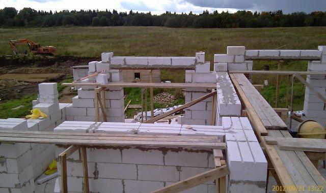 Черезрядное армирование стен второго этажа