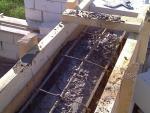 Заливка перемычки бетоном