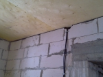 Обшивка потолка фанерой