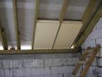 Скаты крыши утепляем пенополистиролом 100мм толщиной